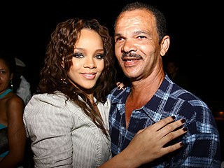 rihanna-with-father-ronald-fenty